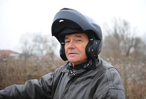 il passe son permis moto 73 ans auto cole didier. Black Bedroom Furniture Sets. Home Design Ideas
